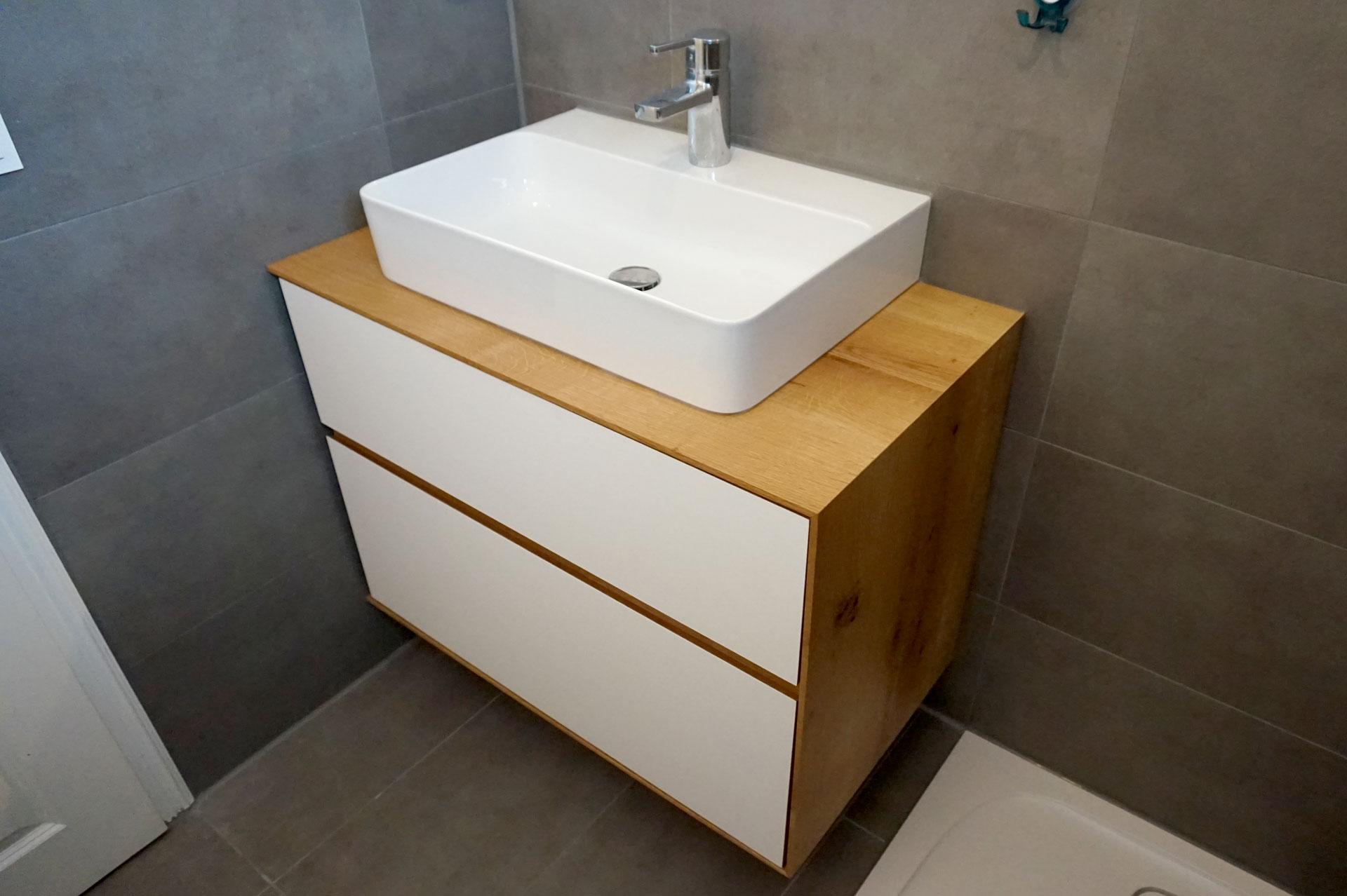 waschtisch eiche good waschtisch eiche massiv holz baumkante fensterbank regal auf ma in. Black Bedroom Furniture Sets. Home Design Ideas